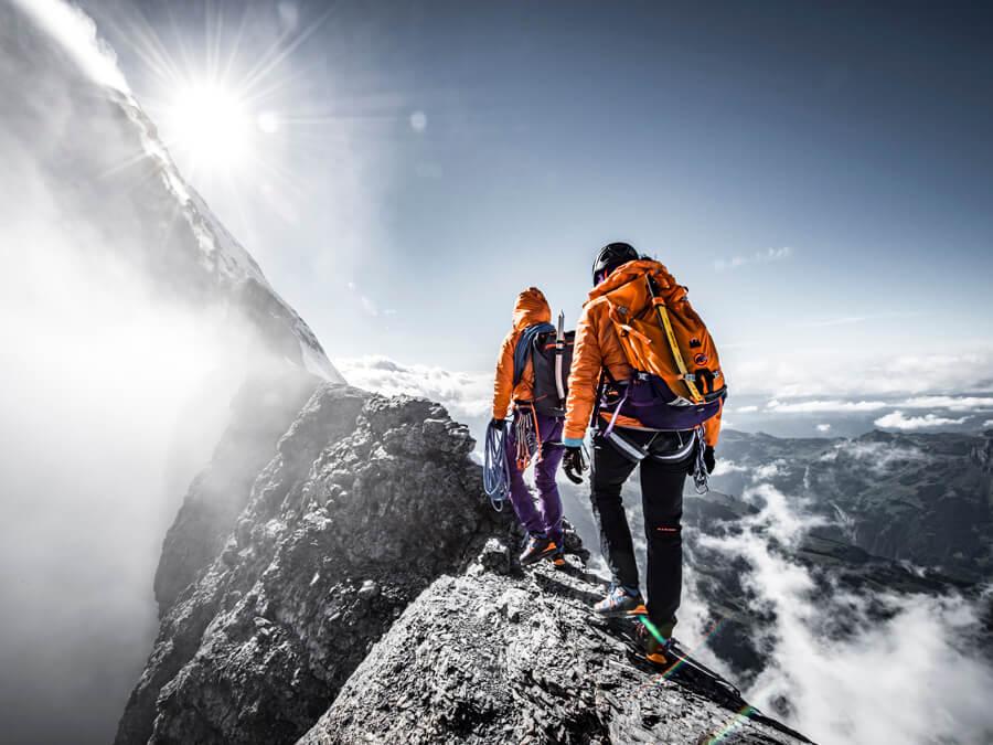 خطرات کوهنوردی و توصیه های ایمنی